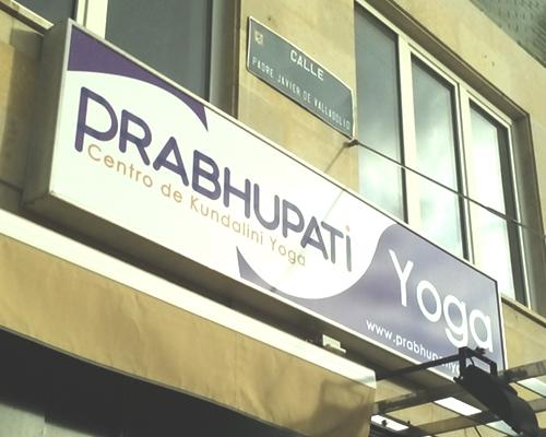 identidad-corporativa-prabhupati-yoga-2
