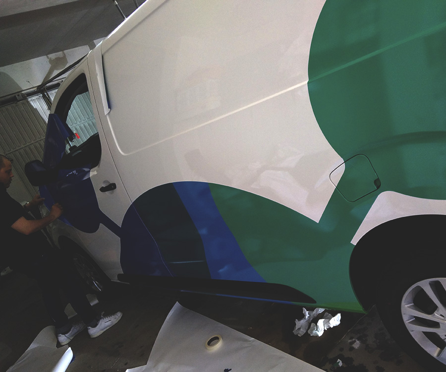 rotulacion-de-vehiculos-furgoneta-carinn-2